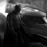 Ben Affleck y el Batmóvil en 'Batman vs. Superman'