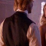 Elizabeth Hurley con el pecho desnudo en 'Aria', drama de 1987