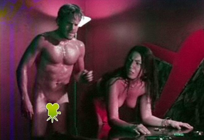 Desvergonzada escena de sexo mimi