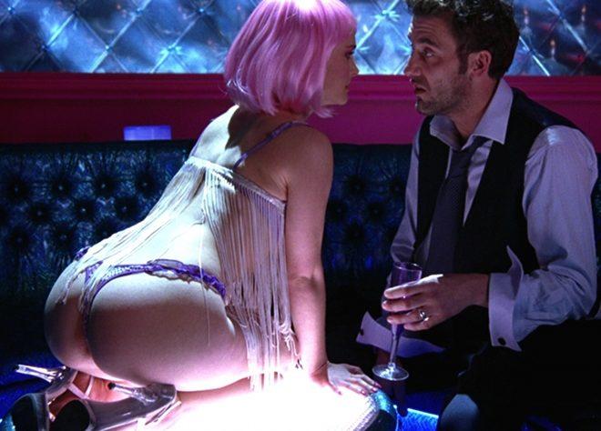 Natalie Portman muestra el culo en tanga en 'Closer' de Mike Nicholls