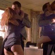 Jennifer Love-Hewitt muestra las bragas en una escena de 'Las seductoras'
