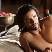 Orlando Bloom con el torso desnudo en una escena de 'El reino de los cielos'