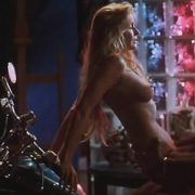 Bo Derek y Jeff Fahey en una escena de sexo de 'La mujer más deseada'
