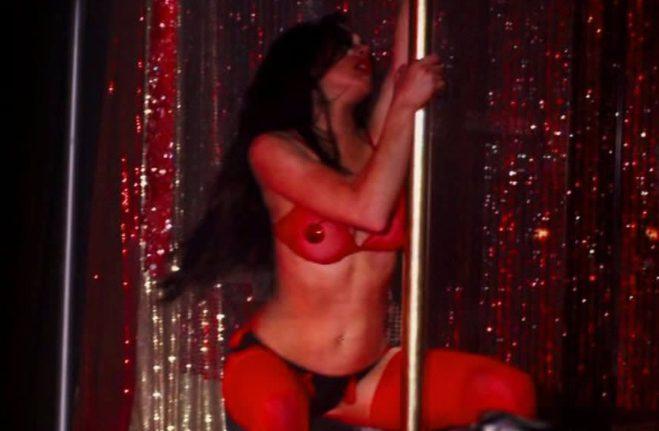 Lindsay Lohan en ropa interior como una bailarina de striptease en 'Sé quién me mató'