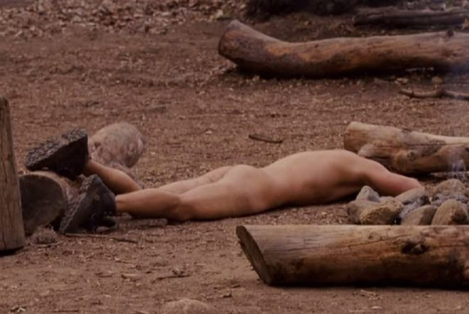 Seann Williams Scott desnudo en una escena de la comedia 'Mal ejemplo'