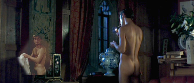 pump-jude-law-nude-pic-move-stars-naked