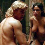 Rosario Dawson desnuda junto a Colin Farrell en 'Alejandro Magno'