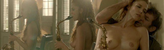 Juana Acosta Desnuda Enseña Las Tetas En Cuatro Estaciones En La