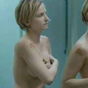 Faye Marsay naked shows her boobs in 'Glue'