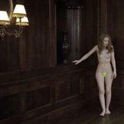 Kirsten Dunst Tumbada Desnuda En Una Imagen De Melancolía Ecartelera