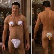 Chris Evans desnudo con un bikini de nata en 'No es otra estúpida película americana'