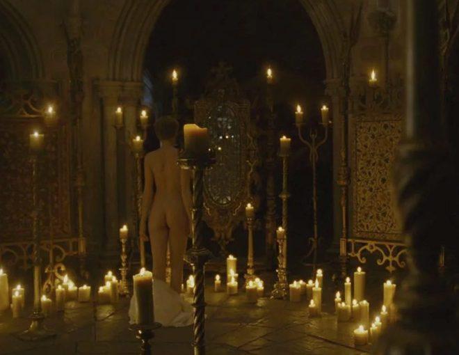 Cate Blanchett muestra su culo en 'Elizabeth: La edad de oro'
