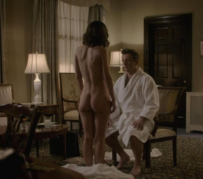Lizzy Caplan Shows Her Butt In Masters Of Sex At Movienco