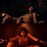 Anya Chalotra desnuda enseña las tetas en 'The Witcher'