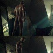 Ricky Whittle desnudo enseña el culo en 'American Gods'