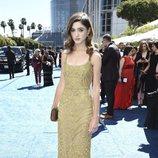 Natalia Dyer en la alfombra roja de los Emmy 2018