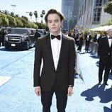 Charlie Heaton en la alfombra roja de los Emmy 2018