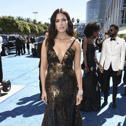 Mandy Moore en la alfombra roja de los Emmy 2018