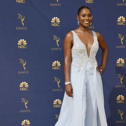 Issa Rae en la alfombra roja de los Emmy 2018