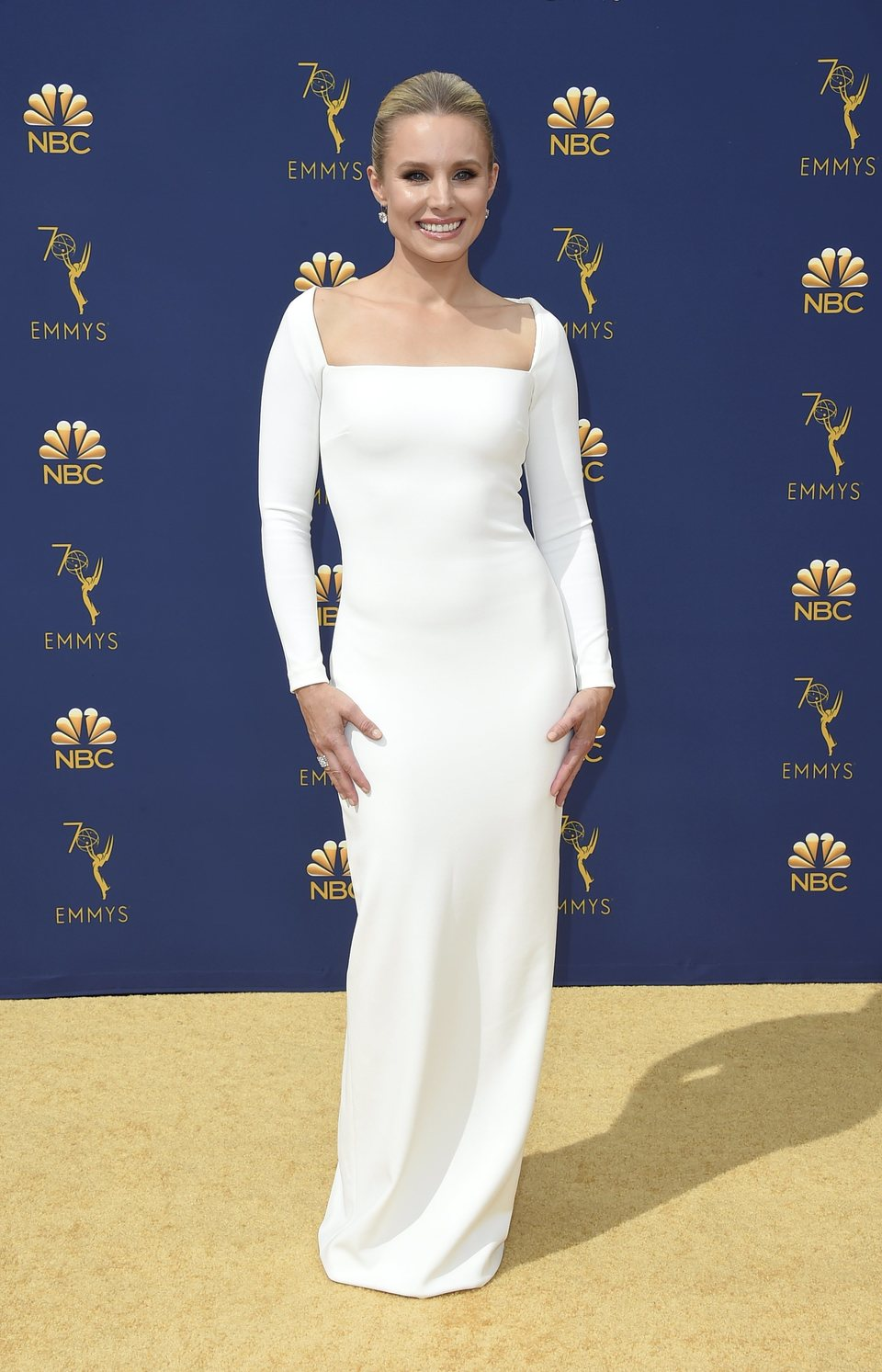 Kristen Bell at the Emmys 2018 red carpet