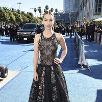 Emilia Clarke en la alfombra roja de los Emmy 2018