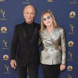 Ed Harris y Amy Madigan en la alfombra roja de los Emmy 2018
