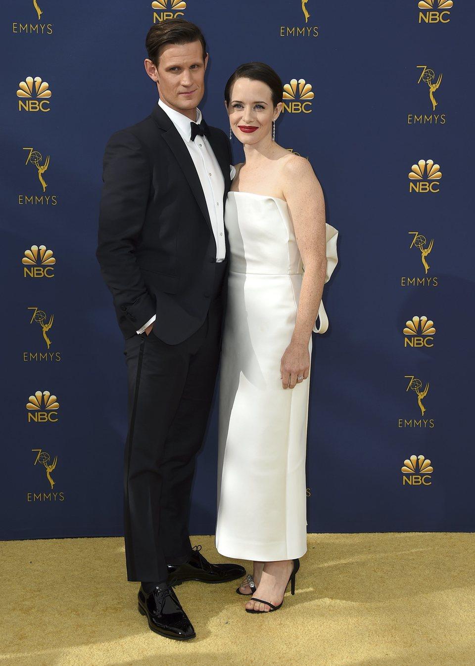 Matt Smith y Claire Foy en la alfombra roja de los Emmy 2018