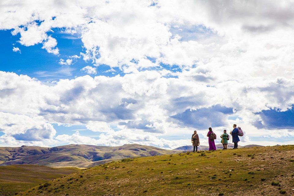 Ballad From Tibet, fotograma 6 de 9