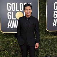 Mario Lopez at the Golden Globes 2019 red carpet