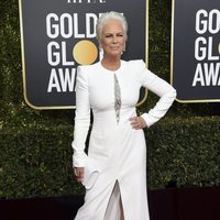 Jamie Lee Curtis on the red carpet at the Golden Globes 2019