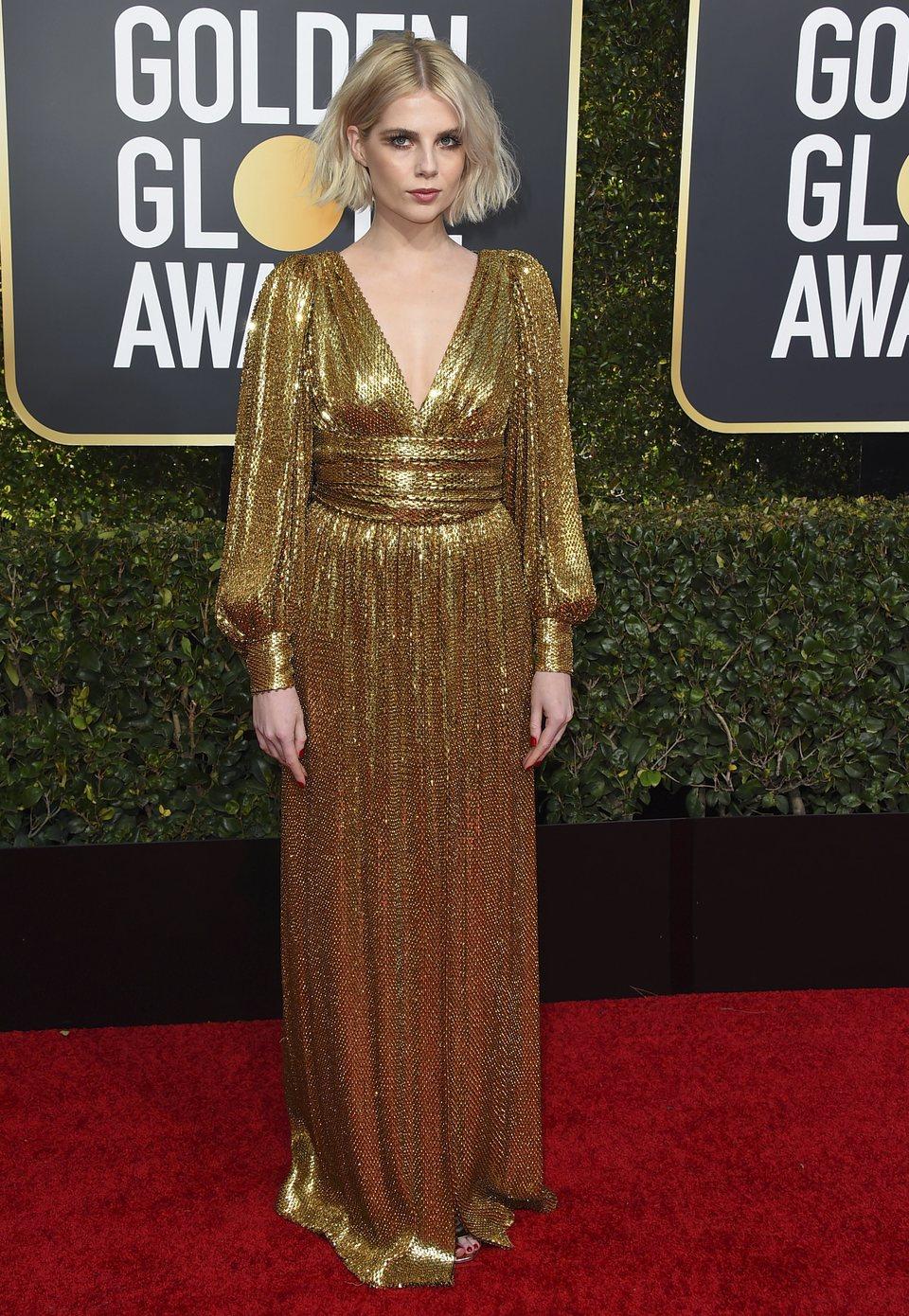 Lucy Boynton en la alfombra roja de los Globos de Oro 2019