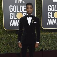Stephan James at the Golden Globes 2019 red carpet