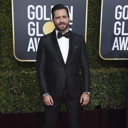 Edgar Ramirez en la alfombra roja de los Globos de Oro 2019