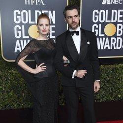 Jessica Chastain y Gian Luca Passi en la alfombra roja de los Globos de Oro 2019