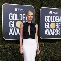 Charlize Theron at the Golden Globes 2019 red carpet