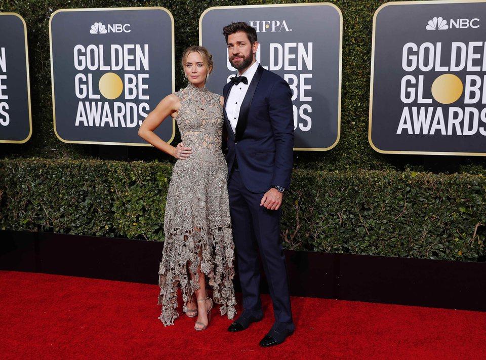 John Krasinski y Emily Blunt en la alfombra roja los Globos de Oro 2019