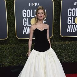 Amber Heard en la alfombra roja de los Globos de Oro 2019