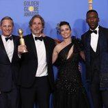 El equipo de 'Green Book' posa con su Globo de Oro