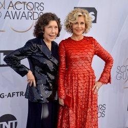 Lily Tomlin y Jane Fonda en los premios SAG 2019