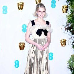 Lucy Boynton en la alfombra roja de los BAFTA 2019