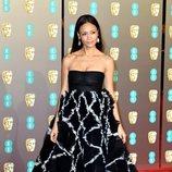 Thandie Newton en la alfombra roja de los BAFTA 2019