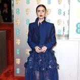 Lily Collins en la alfombra roja de los BAFTA 2019