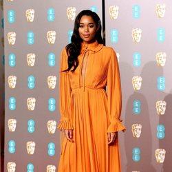 Laura Harrier en la alfombra roja de los BAFTA 2019