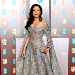 Michelle Yeoh en la alfombra roja de los BAFTA 2019