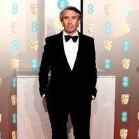 Steve Coogan en la alfombra roja de los BAFTA 2019