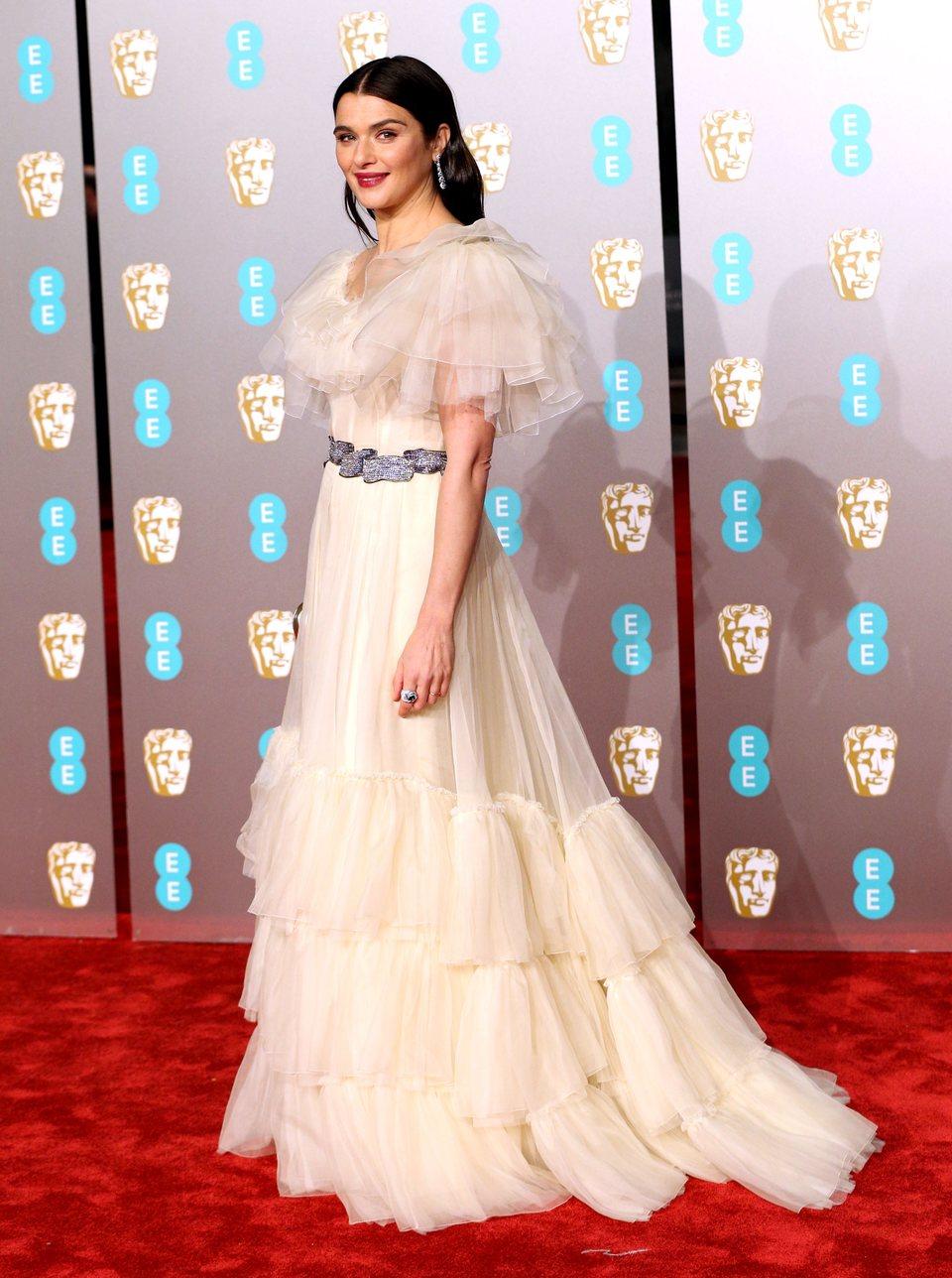 Rachel Weisz en la alfombra roja de los BAFTA 2019