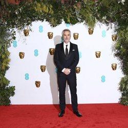 Alfonso Cuarón en la alfombra roja de los BAFTA 2019