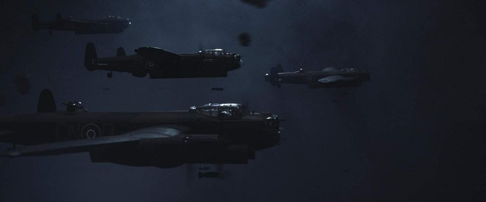 Lancaster Skies, fotograma 13 de 13