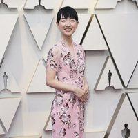 Marie Kondo en la alfombra roja de los Oscar 2019