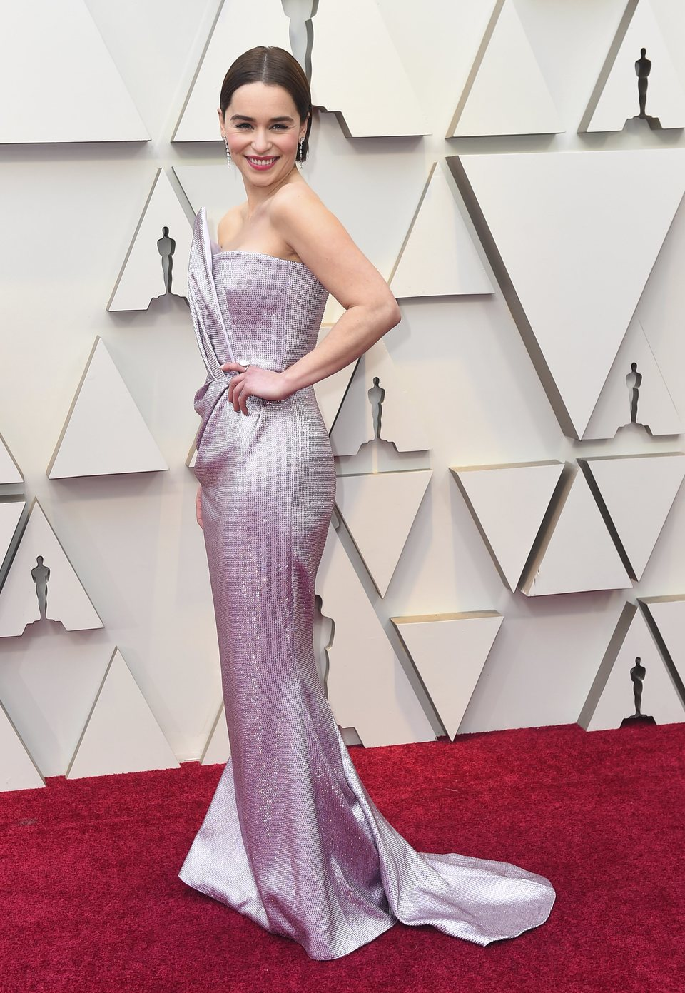 Emilia Clarke at the Oscars 2019 red carpet
